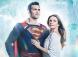 Superman and Lois Lane Look Like Dreamy Couple in First-Look Photo for 'Arrowverse' Crossover