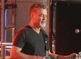 Eddie Van Halen Battles Throat Cancer, Believes It Was Caused by Sucking Guitar Pick