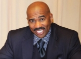 Video: Steve Harvey Throws Tantrum Over Pizza on His Birthday