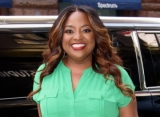 Sherri Shepherd Reacts to 'Embarrassing' Video of Her Taking Off Wig on Plane