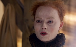 Saoirse Ronan and Margot Robbie Clash Over Throne in First 'Mary Queen of Scots' Trailer