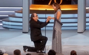 Emmys 2018: Glenn Weiss Proposes to Girlfriend on Stage After Outstanding Directing Win