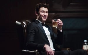 Shawn Mendes Finds Love in 'Lost in Japan' Music Video