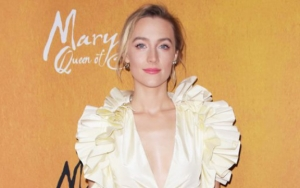 Saoirse Ronan Likens Barbarity of Today's Fake News to One That Killed Mary Stuart