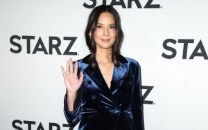 Olivia Munn Calls Out Fashion Blog for Its 'Ugly Behaviors': 'Cheers and Go Fug Yourself'