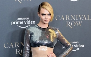 Cara Delevingne Peeing in Parking Lot When McDonald's Refuses to Let Her Use Toilet
