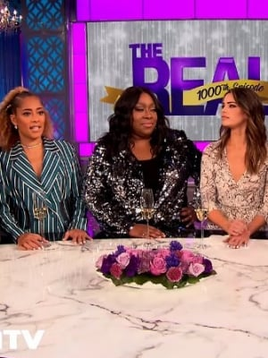 'The Real' Co-Host Amanda Seales Goes Off on 'Extra' for Bringing Up Jeannie Mai Rumored Feud