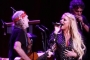 Jessica Simpson Returns to Stage for Reunion With Willie Nelson