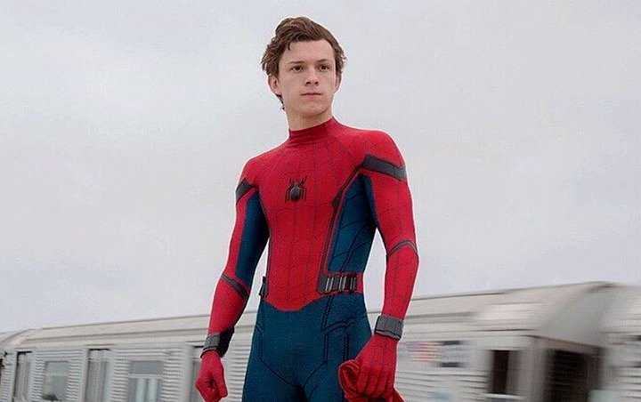 First 'Spider-Man: Far From Home' Set Video: Tom Holland Looks Thoughtful on Rooftop