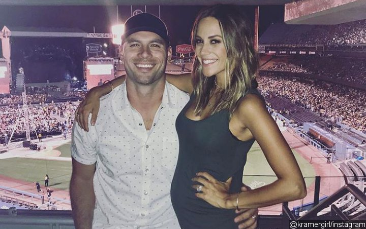 Pregnant Jana Kramer Wants to Have Sex With Husband All the Time