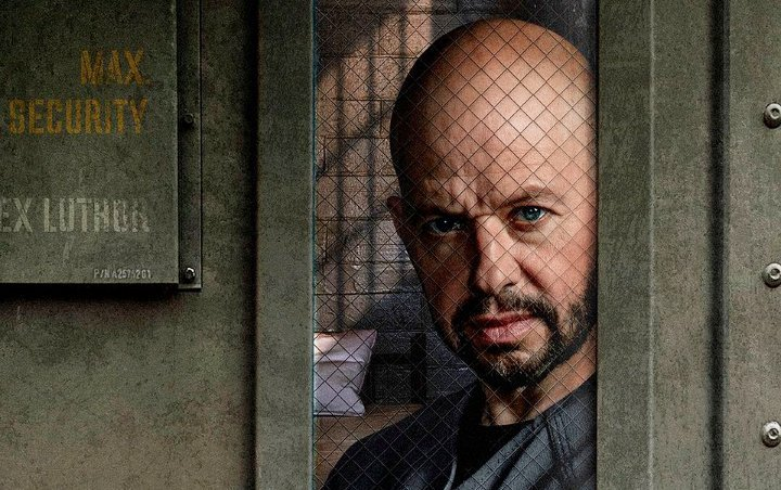 'Supergirl' Season 4 Releases First Look at Jon Cryer's Lex Luthor