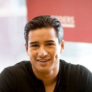 "Mario Lopez Signs Copies of His Book ""The Mario Lopez Workout"" at Borders Books in Chicago"