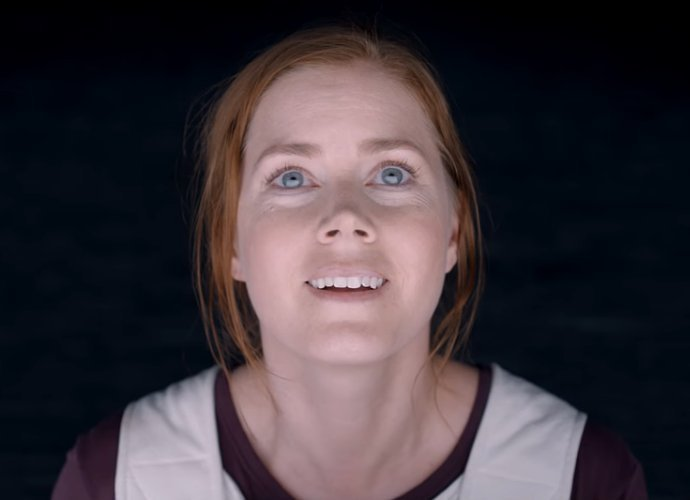 Amy Adams Makes First Contact With Alien in First Full Trailer for 'Arrival'