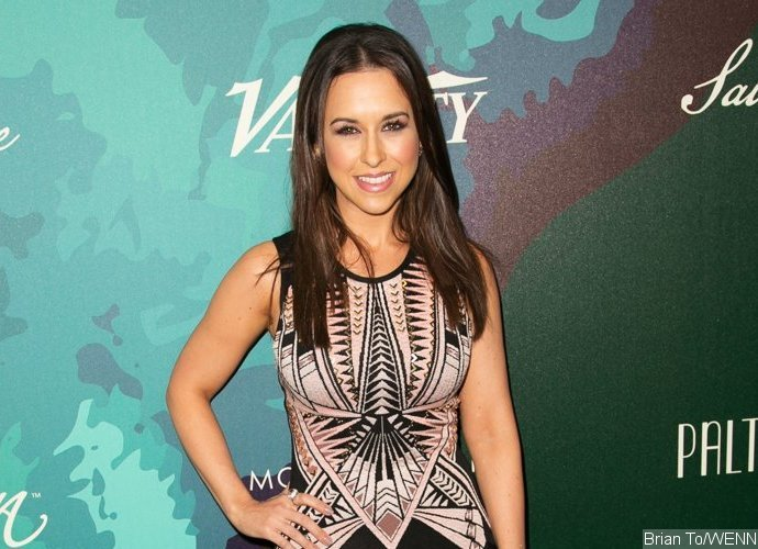 'Mean Girls' Star Lacey Chabert Pregnant With Her First Child
