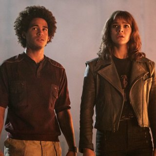 Jorge Lendeborg Jr. stars as Memo and Hailee Steinfeld stars as Charlie Watson in Paramount Pictures' Bumblebee (2018)