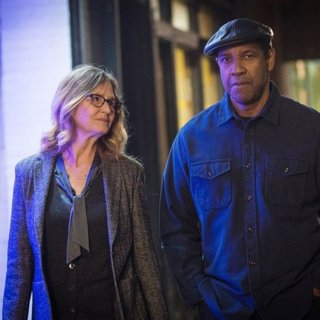 Melissa Leo stars as Susan Plummer and Denzel Washington stars as Robert McCall in Sony Pictures' The Equalizer 2 (2018)