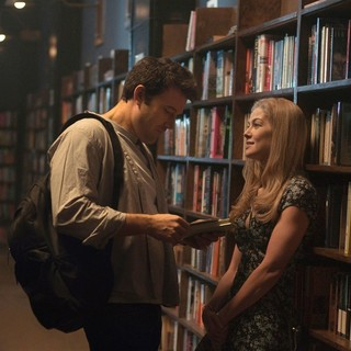 Ben Affleck stars as Nick Dunne and Rosamund Pike stars as Amy Dunne in 20th Century Fox's Gone Girl (2014)