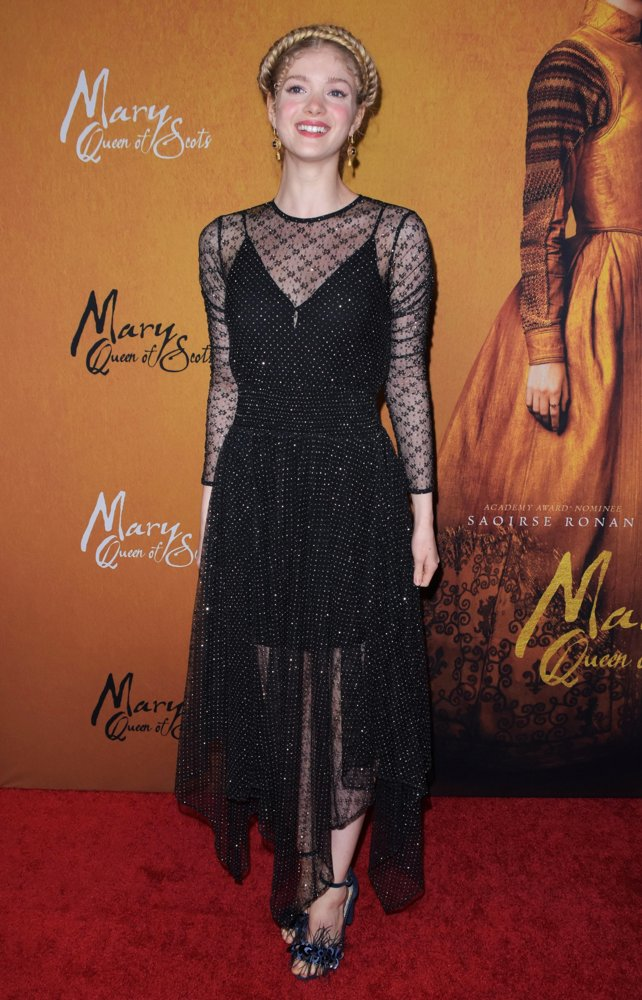 Elena Kampouris<br>Mary Queen of Scots NYC Premiere - Arrivals