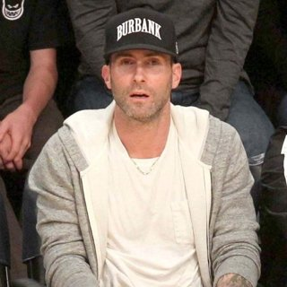 Adam Levine at The Los Angeles Lakers Game