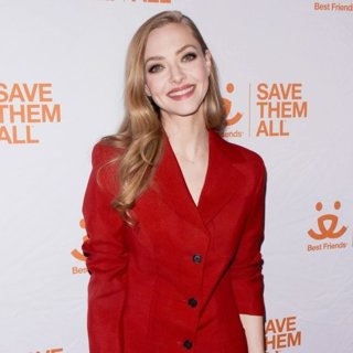 Amanda Seyfried in Best Friends Animal Society's Benefit