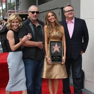 Julie Bowen, Ed O'Neill, Sofia Vergara, Eric Stonestreet in Sofia Vergara Honored with Star on The Hollywood Walk of Fame