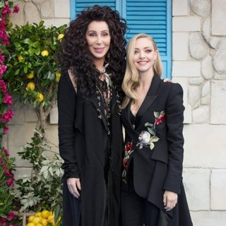 Cher, Amanda Seyfried in The World Premiere of Mamma Mia! Here We Go Again - Arrivals