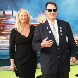 Donna Dixon, Dan Aykroyd in Los Angeles Premiere of Ghostbusters - Arrivals
