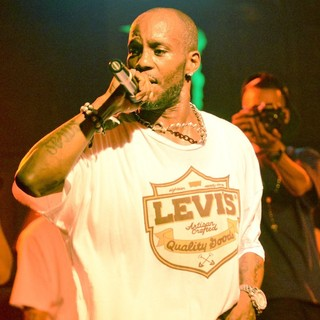 DMX Performing Live to Promote His CD Undisputed