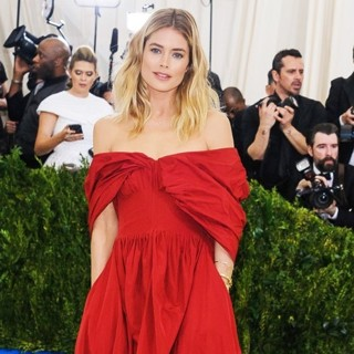 Doutzen Kroes in Metropolitan Costume Institute Benefit Gala: Rei Kawakubo-Comme des Garcons: Art of The In-Between