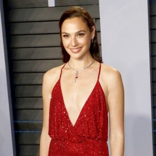 Gal Gadot in 2018 Vanity Fair Oscar Party - Arrivals