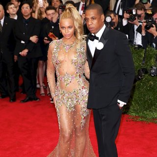 Beyonce Knowles, Jay-Z in China: Through The Looking Glass Costume Institute Benefit Gala - Red Carpet Arrivals