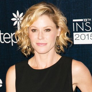 Julie Bowen in 12th Annual Inspiration Awards Red Carpet Luncheon to Benefit Step Up Women's Network