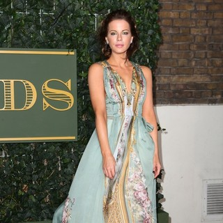 Kate Beckinsale in The Evening Standard Theatre Awards - Arrivals