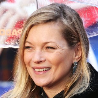 Kate Moss in World Premiere of Paddington