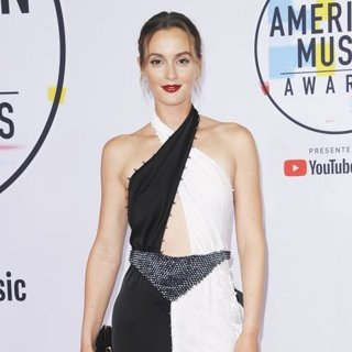 Leighton Meester in 2018 American Music Awards - Arrivals