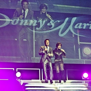 Donny Osmond and Marie Osmond Perform Live