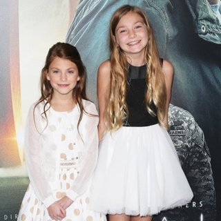 Abigail Pniowsky, Anna Pniowsky in Film Premiere of Arrival