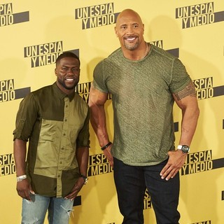 Kevin Hart, The Rock in Central Intelligence Madrid Photocall