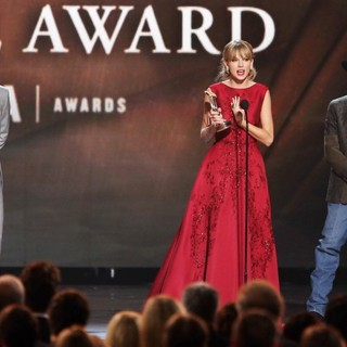 Joe Don Rooney, Faith Hill, Tim McGraw, Taylor Swift, George Strait, Keith Urban in 47th Annual CMA Awards - Show