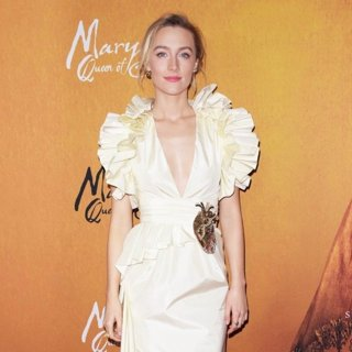 Saoirse Ronan in Mary Queen of Scots NYC Premiere - Arrivals