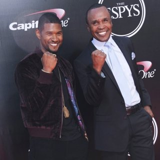Usher, Sugar Ray Leonard in The ESPYS Awards 2016 - Arrivals