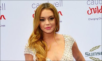 Lindsay Lohan Steps Out Wearing Headscarf Amid Rumors She's Converted to Islam