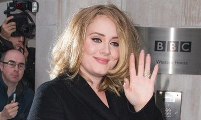 Adele Forced to Use 'Sign Language' as She Can't Make a Sound Due to Damaged Vocal Cords