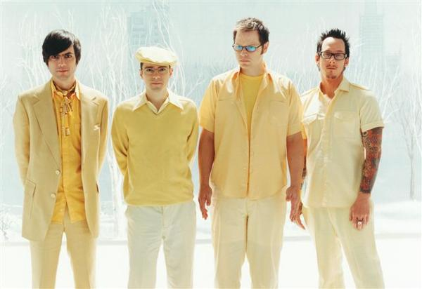 Weezer Nearly Done With 6th Album and to Drop Single