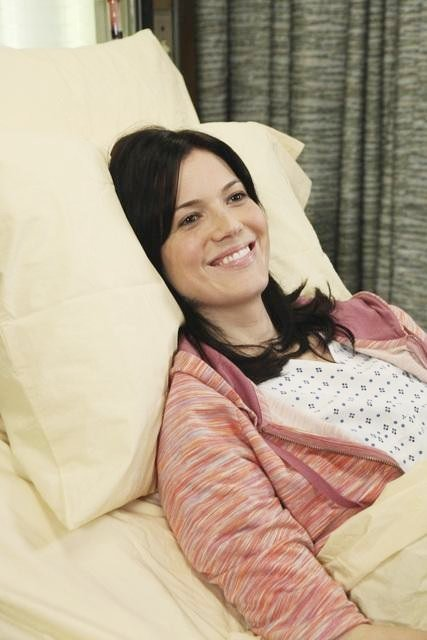 Mandy Moore Checks In to 'Grey's Anatomy' Again