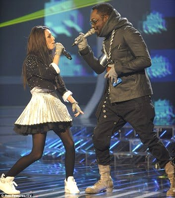 will.i.am to Cher Lloyd: 'Don't Sign With Simon, Sign With Me'