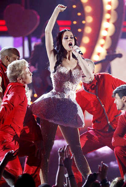 2011 Grammys: Katy Perry Sings 'Not Like the Movies' and 'Teenage Dream'