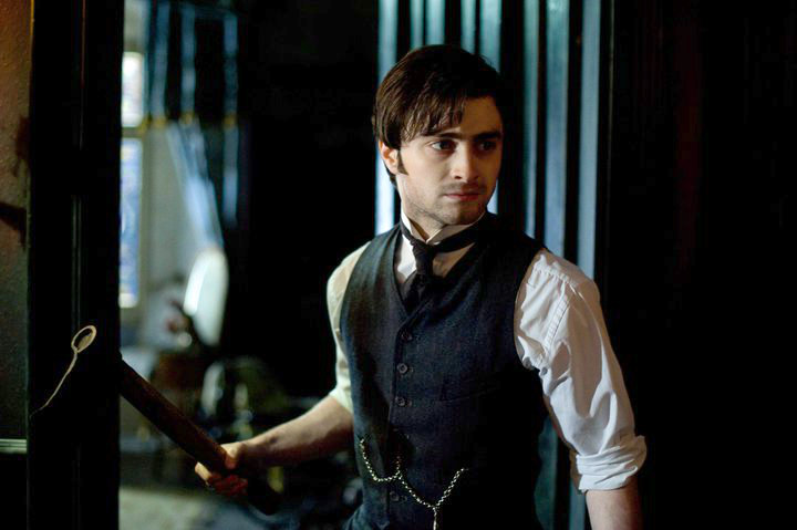 Daniel Radcliffe Gets Cautious in New 'Woman in Black' Photo