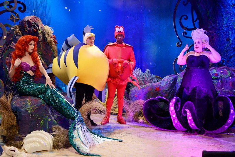 Anna Kendrick Turns Into Little Mermaid on 'Saturday Night Live', Sings With Icona Pop