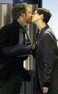 Anne Hathaway Pictured Sharing Sweet Kiss With Her Husband at LAX